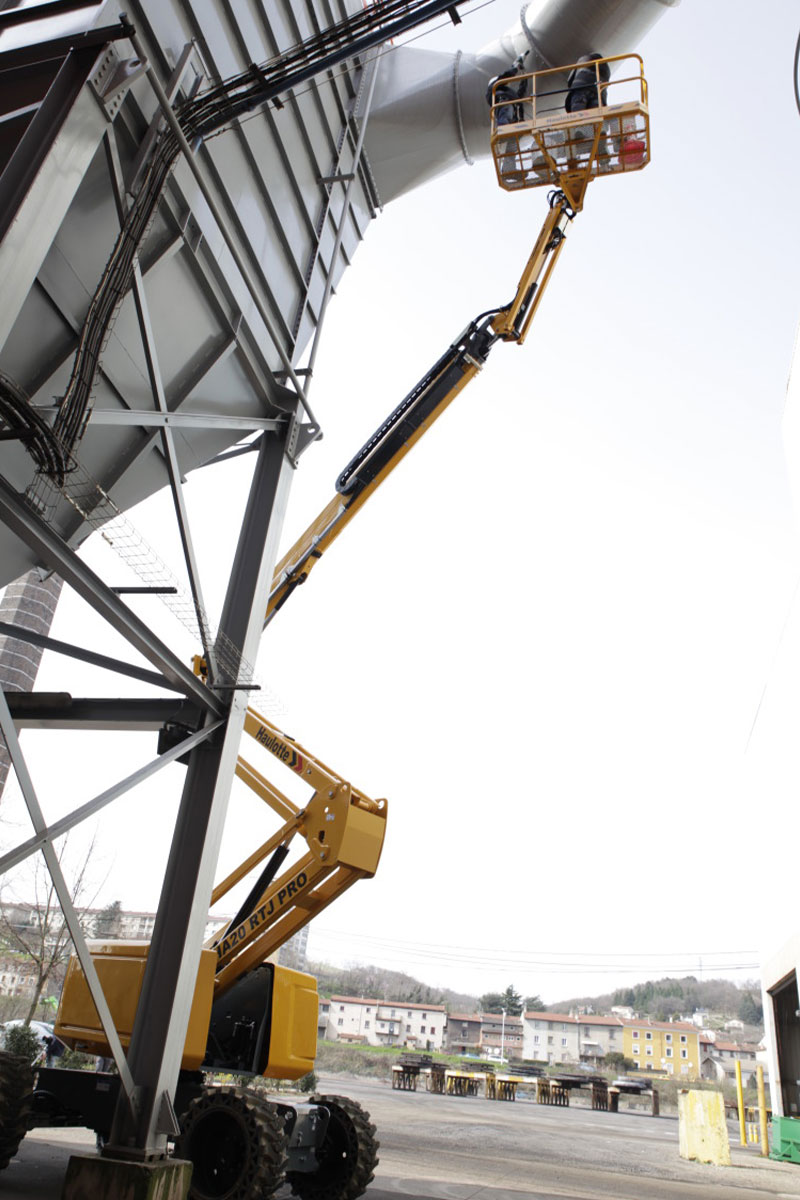HA20 RTJ PRO diesel boom lift sterling access image 02 - HA20 RTJ PRO - Diesel Articulating Boom Lifts For Hire