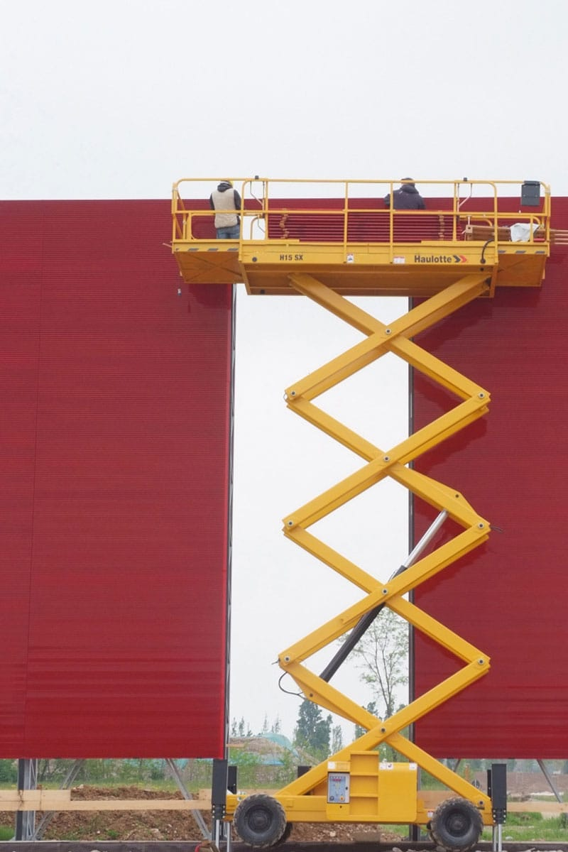 h15 sx diesel scissor lift sterling access imag e03 - H15 SX - Diesel Scissor Lift For Hire