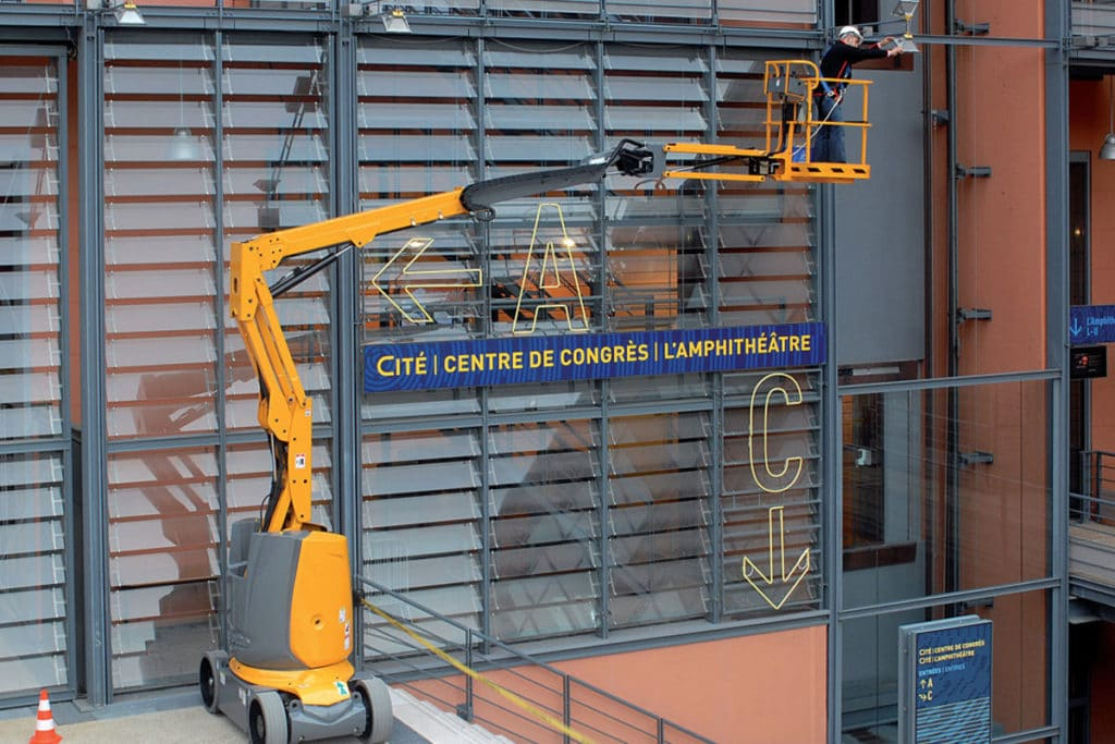 ha 12 cj boom lift sterling access image 05 1024x683 - HA12 IP - Electric Articulating Booms For Hire